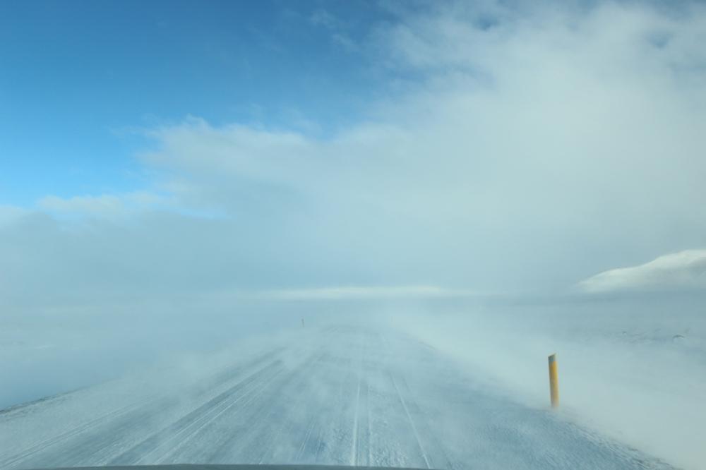 Carretera en invierno - Islandia
