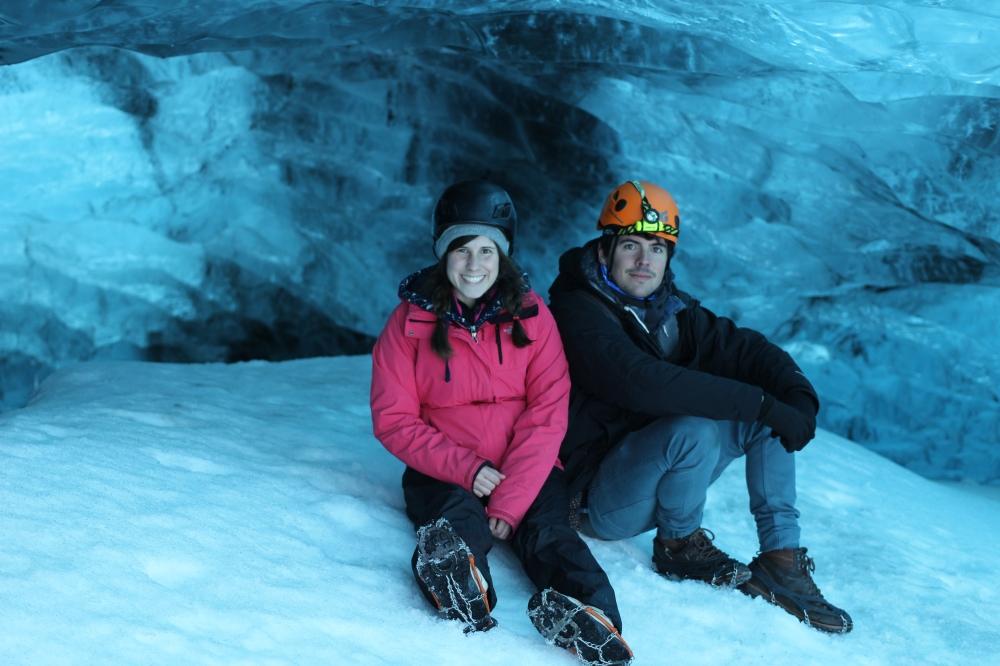 Borja y Tami cueva de hielo