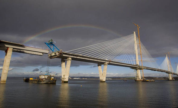 queensferry-crossing-complete-scotland-last-piece-815552
