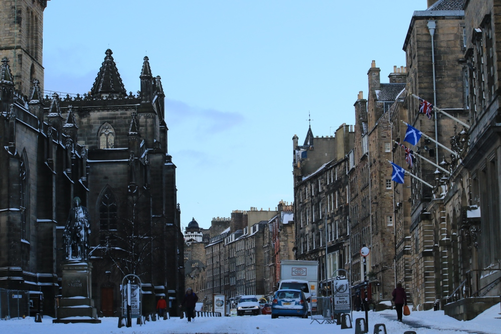Snow in edinburgh