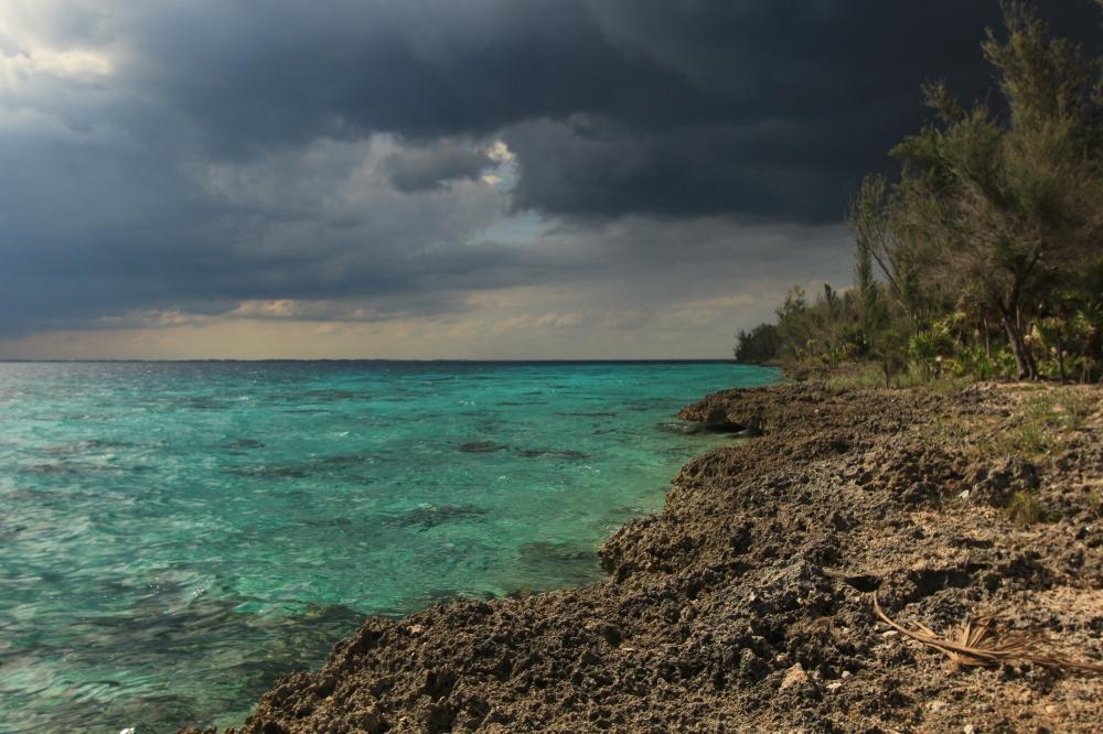 Tormenta en la playa - Cuba