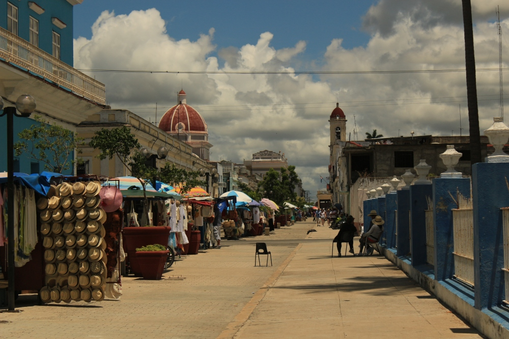 Cienfuegos - Calle Santa Isabel